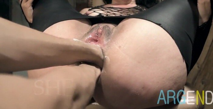EXTREME ANAL AND DOUBLE FIST FOR ARGENDANA