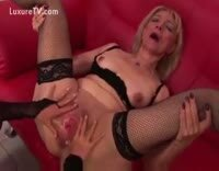 Mature Horny Slut Fisted Hard In Her Leather Gear