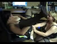 BBW Opens Her Legs And Gets Fisted By Her Hot Next Door Neighbour