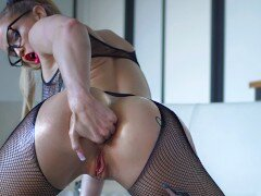 Oiled Slut Fists Ass And Gets Skull Fucked – SecretCrush4K
